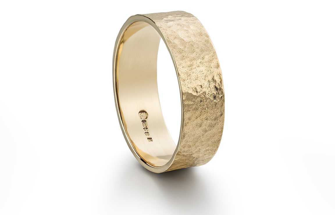 bespoke_mens_wedding_ring_crop
