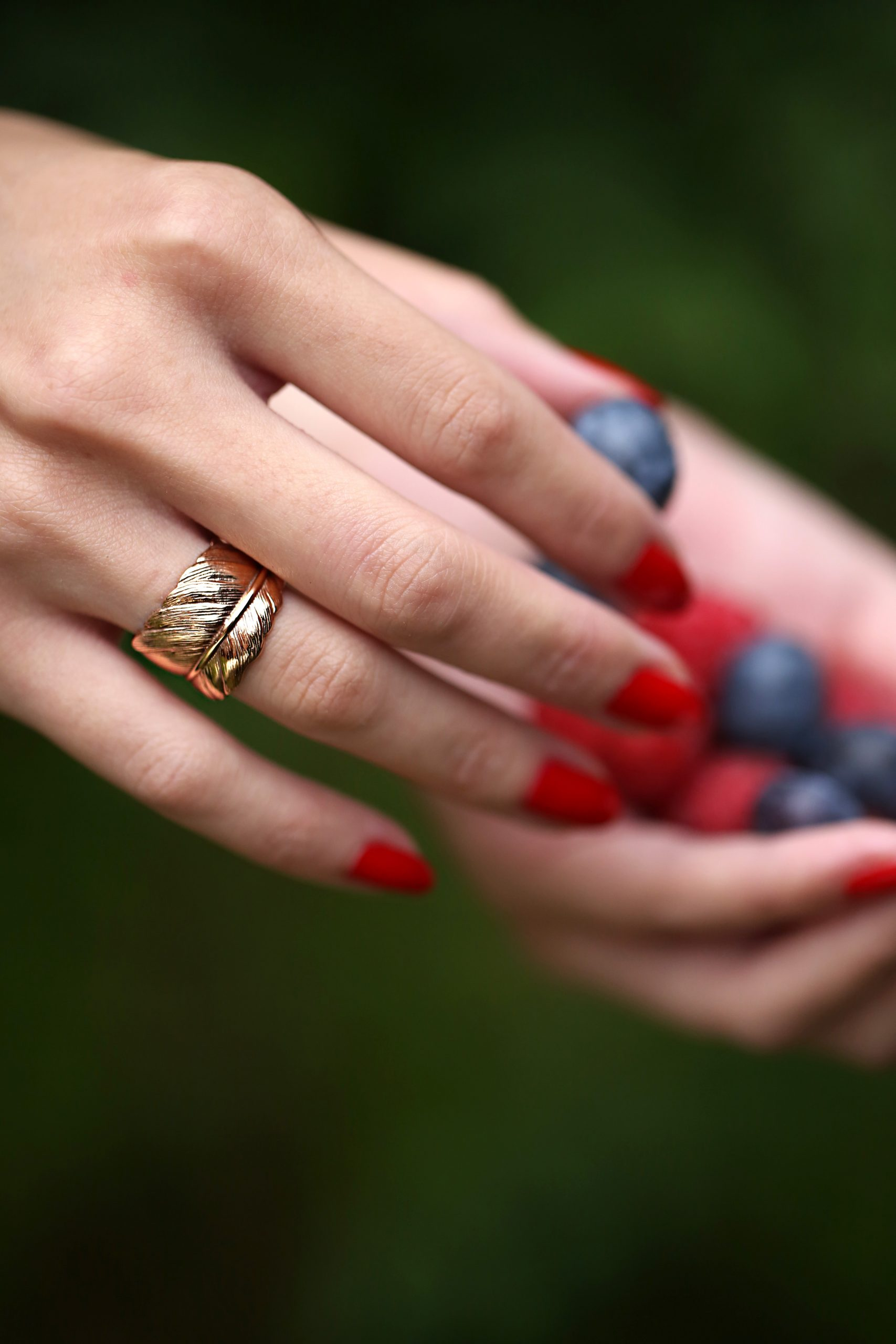 rose_gold_feather_ring