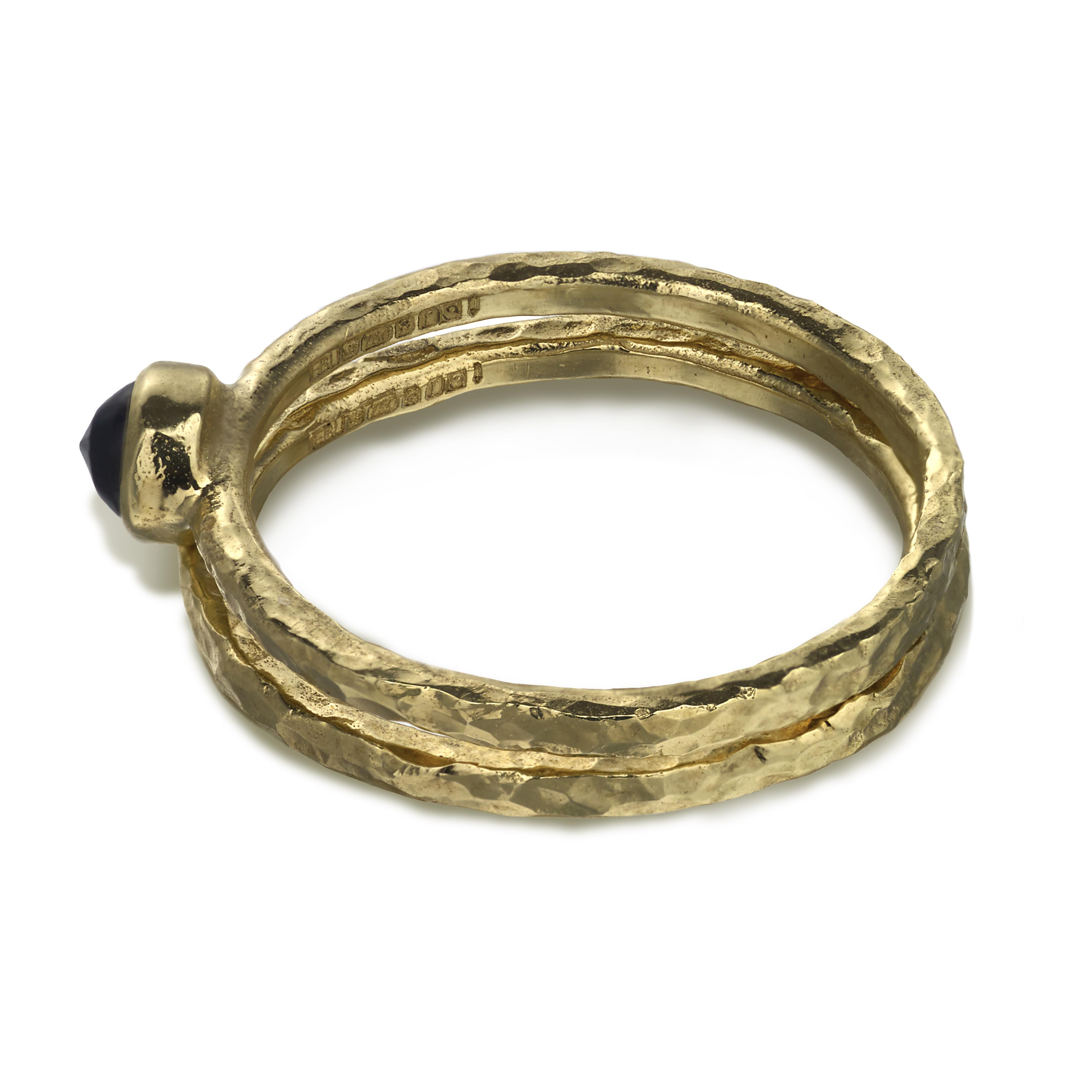 hammered_gold_ring_black_sapphire_set