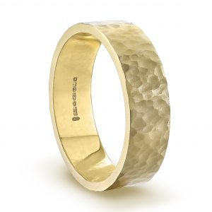gold_hammered_wedding_ring_6mm