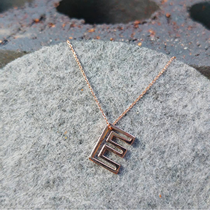 rose_gold_E_necklace