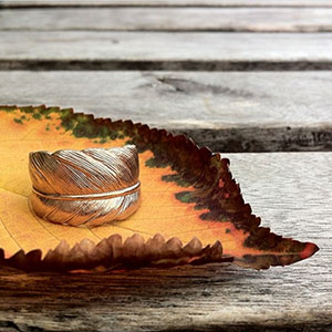 rose_gold_feather_ring_autumn_leaf