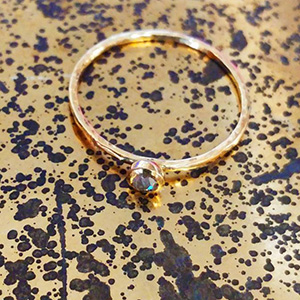 teeny_dia_ring_gold_speckles_sml