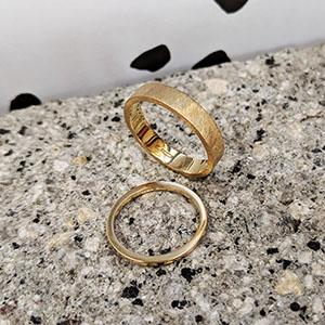 wedding_rings_concrete_sml